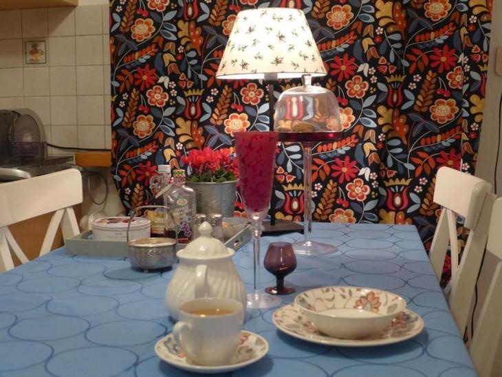 Zasłony w kuchni – sposób na jesienną szarugę