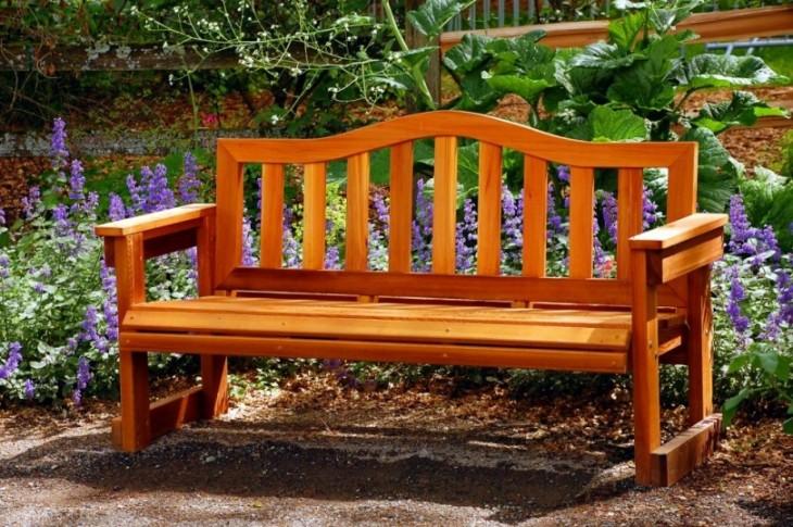 Czym zabezpieczyć drewno ogrodowe?