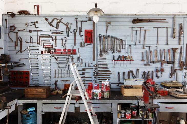Jak oświetlić garaż