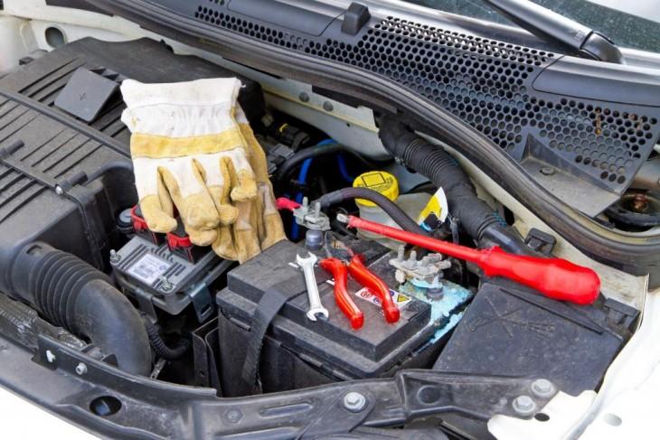 Przygotowanie samochodu do zimowego wyjazdu
