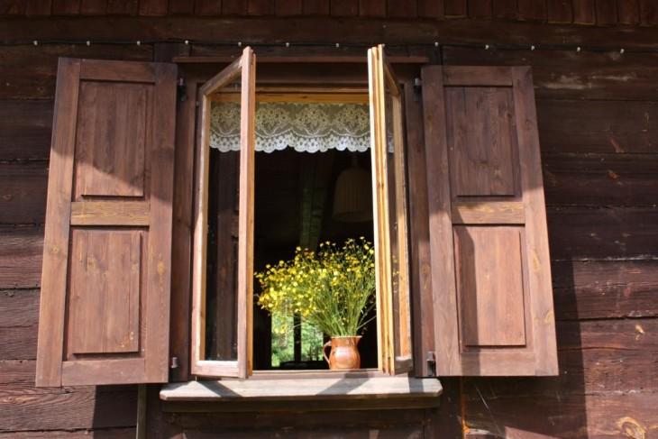 Wymiana okien w starym drewnianym domu