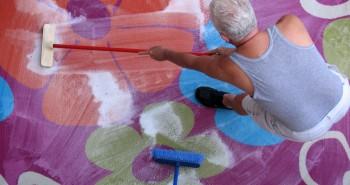 Wiosenne czyszczenie dywanów – sprzęty i środki chemiczne