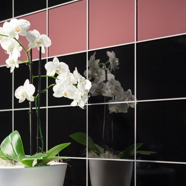 Kontrastowa fuga w łazience