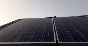 Instalacja paneli fotowoltaicznych na dachu