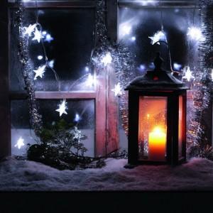 Lampki choinkowe zewnętrzne na dom