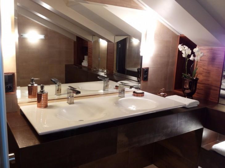 łazienki Beżowo Brązowe Wykończenie Na Lata