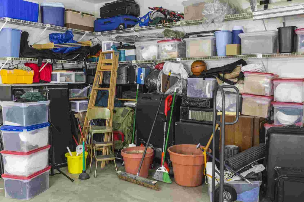 Sprzątanie garażu na wiosnę