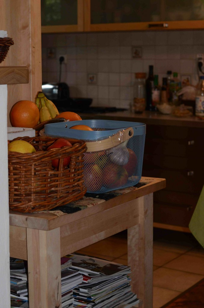 Stolik pomocniczy w kuchni
