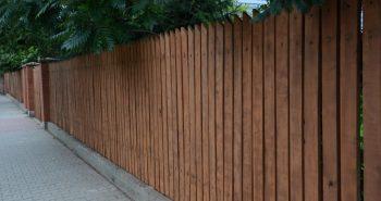 Jak pomalować ogrodzenie z drewna