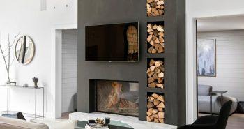 Drewno kominkowe – jak przechowywać je w salonie