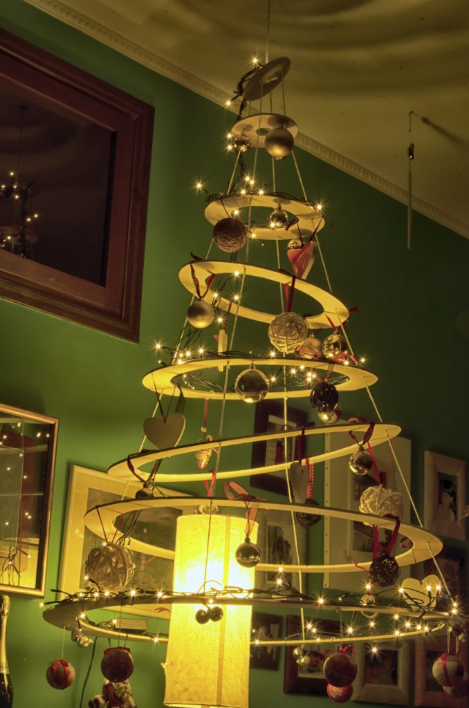 Nietypowa choinka – dekoracja świąteczna dla kreatywnych