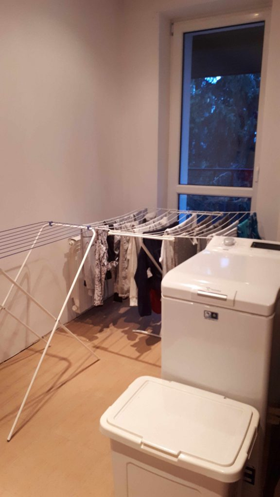 Pralka w garderobie, nie w łazience