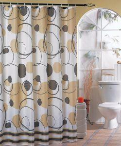 Zasłony i drążki prysznicowe zamiast kabiny