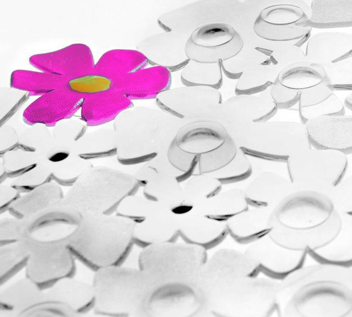 Dla bezpieczeństwa i wygody – antypoślizgowe maty łazienkowe