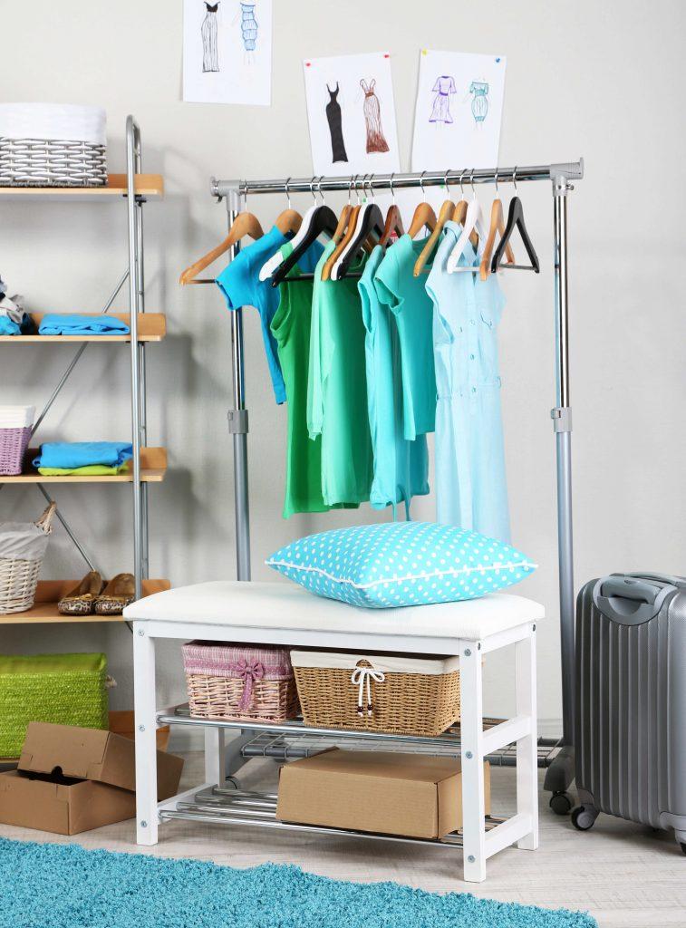 Garderoba mobilna – proste i tanie rozwiązanie