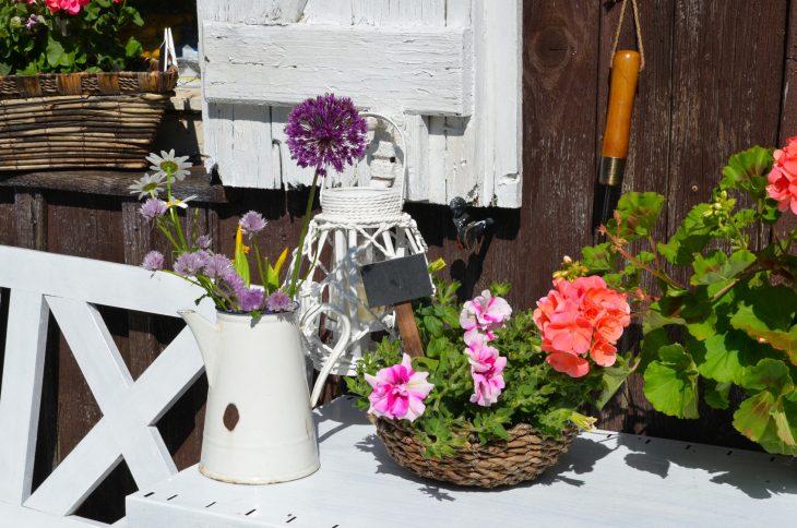 Stoliki do prac ogrodowych