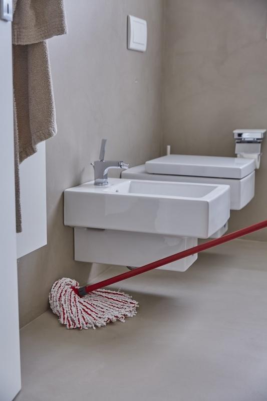 Mopy do mycia podłogi – jaki wybrać