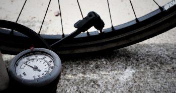 Pompka rowerowa stacjonarna czy ręczna