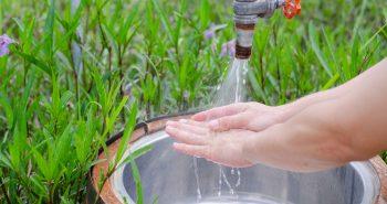 Zlew ogrodowy – praktyczna ozdoba