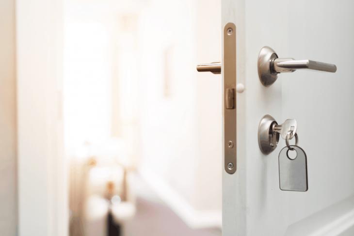 Sposoby na skrzypiące drzwi