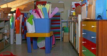 Domowy decluttering: porządki na strychu