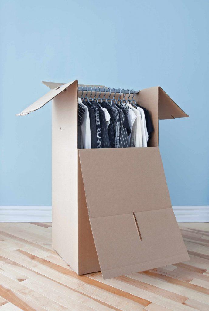 Domowy declutering: porządki na strychu
