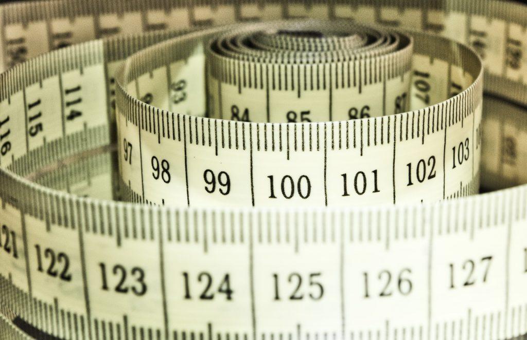 Metr bieżący a metr kwadratowy