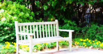 Ławka ogrodowa – jaką wybrać