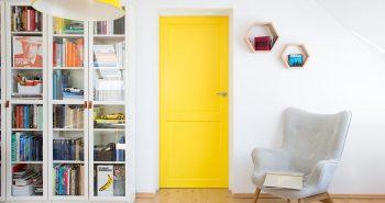 Jak odnowić stare drzwi drewniane
