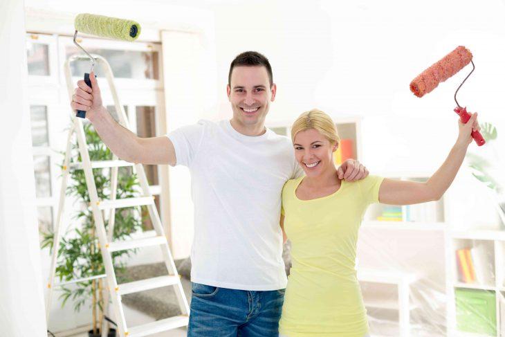 Malowanie ścian i sufitów bez błędów – czyli odnawiamy mieszkanie