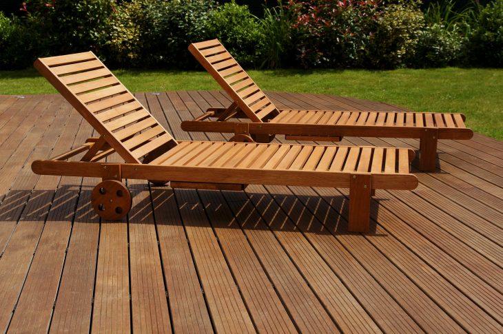 Drewniane leżaki – zawsze wygodne i efektowne