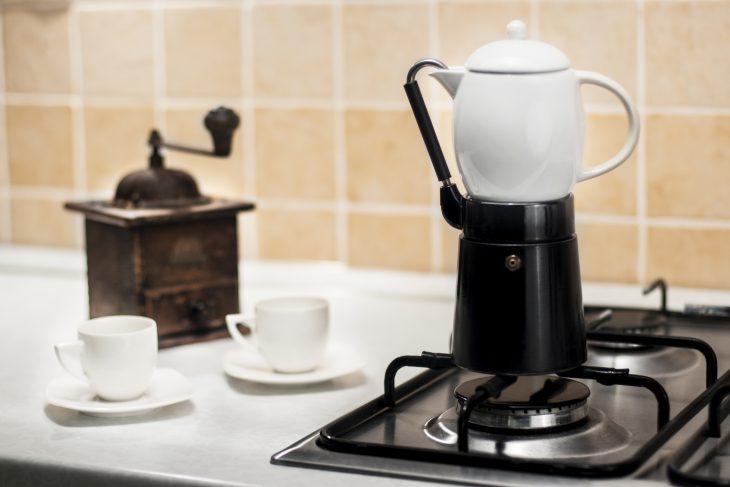 Klasyczna kawiarka włoska – sposób na dobrą kawę