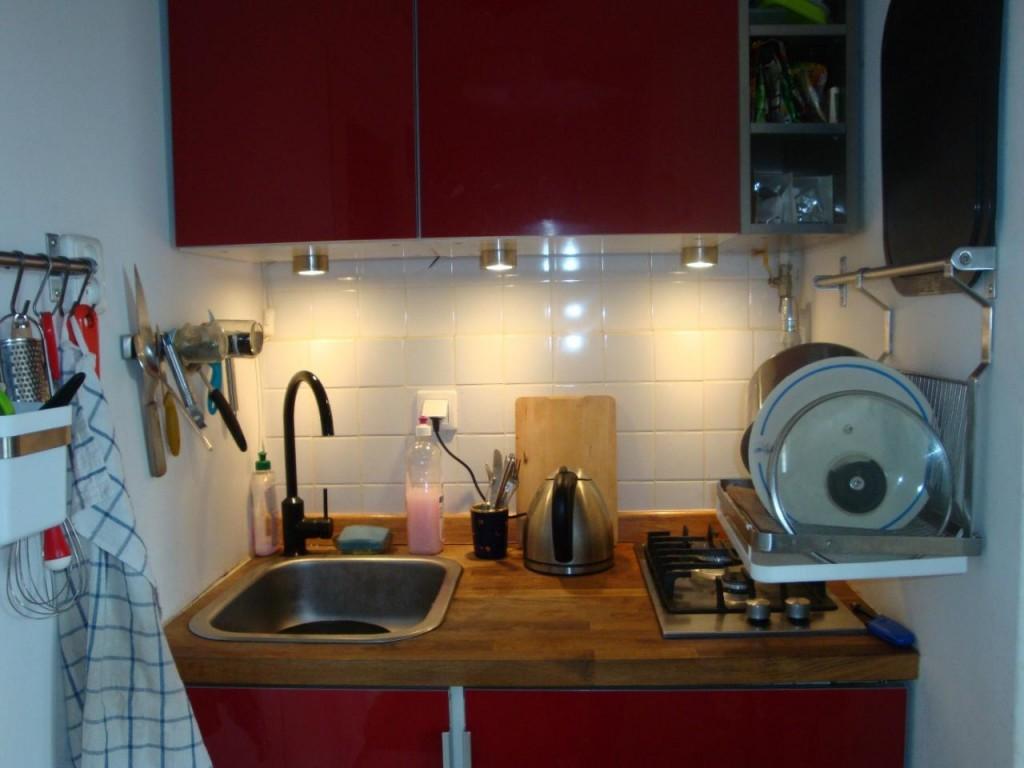 Jak urządzić kuchnię w kawalerce?