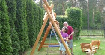 Jak pomalować drewnianą huśtawkę?