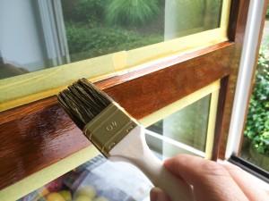 Fensterrahmen streichen