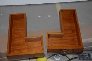 Stara szafka pod umywalkę