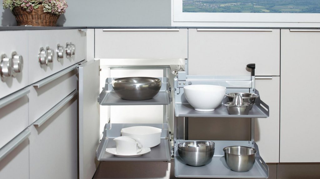 Narożna szafka w kuchni