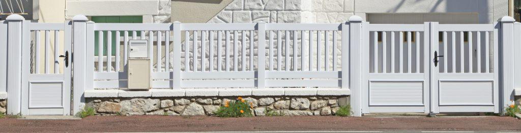 Oryginalna brama – pomysły na ogrodzenia